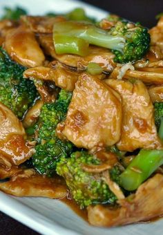 Chicken and Broccoli Stir-Fry. Delicious main dishes for dinner. You can make this Chicken and Broccoli Stir Fry in almost the same amount of time that it takes to get takeout. You can also sub/add other veggies such as onion, mushroom and zucchini. Think Food, I Love Food, Asian Recipes, Healthy Recipes, Easy Recipes, Skinny Recipes, Sauce Recipes, Delicious Recipes, Vegetarian Recipes