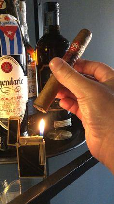 Cigars And Whiskey, Good Cigars, Pipes And Cigars, Cuban Cigars, Cigar Smoking, Girl Smoking, Cigar Bar Wedding, Cigar Shops, Cigar Art