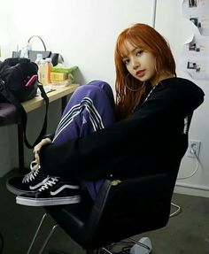 Lisa is gorge af Jennie Lisa, Blackpink Lisa, Forever Young, Lisa Instagram, Lisa Black Pink, Lisa Blackpink Wallpaper, Kim Jisoo, Blackpink Photos, Blackpink Fashion