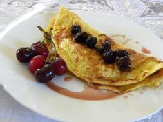 Kaikanas is a very simple Cypriot dessert which is something between a sweet omelette or a pancake or crepe. Greek Recipes, Asian Recipes, Healthy Desserts, Dessert Recipes, Types Of Desserts, Taiwanese Cuisine, Taiwan Food, Molecular Gastronomy, Plated Desserts