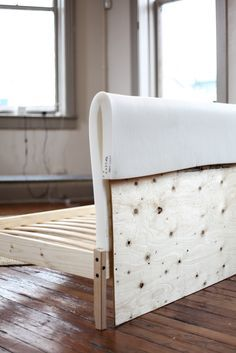 IKEA Hack: Turning a FJELLSE Bedframe into a Couch Turn in an expensive bed frame into a comfy cool couch. This would be a great weekend DIY to try!<br> Turn an inexpensive bed frame into a comfy cool couch. This would be a great weekend DIY to try! Diy Sofa, Diy Daybed, Cama Ikea, Couch Ikea, Ikea Hack Sofa, Bed Ikea, Diy Deco Rangement, Diy Bett, Cool Couches