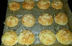 Cheese rolls as from the baker - Brötchen backen - Sandwich Recipes Cheese Appetizers, Healthy Appetizers, Appetizer Recipes, Pork Chop Recipes, Grilling Recipes, Cooking Recipes, Cheese Rolling, Cooking Chef, Recipe For Mom