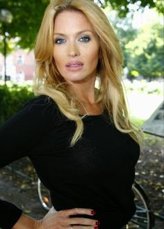 Mode Världen: WoW.....Top Het Jewelry Fashion By Carolina Gynnin...