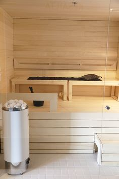 Saunan lauteet Modern Saunas, Indoor Sauna, Sauna Design, Finnish Sauna, Sauna Room, Laundry Room Bathroom, Spa Rooms, Dream Bathrooms, My Dream Home
