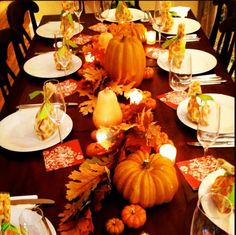 tablescape tuesday: fall's first  hostingandtoasting.com #tablescapes #fall