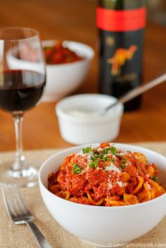 Pasta alla Bolognese -- this delicious and flavorful pasta alla bolognese can be on your plate in under 45 minutes!