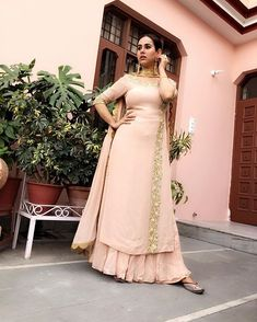 Pastel and gold Anarkali for a wedding look. Party Wear Indian Dresses, Salwar Suits Party Wear, Indian Fashion Dresses, Dress Indian Style, Indian Wedding Outfits, Pakistani Dresses, Indian Outfits, Punjabi Fashion, Indian Clothes