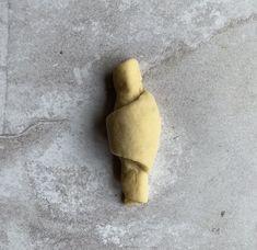 Marmelade Kipferl - Backen mit Christina Pear, Sweet Tooth, Food, Fitness, Baking Tips, Challah, Cute Baking, Essen, Meals