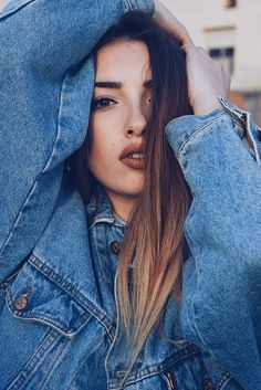 #fotos #tumblr #sesion #photo Portrait Photography Poses, Photography Poses Women, Tumblr Photography, Girl Photo Poses, Girl Photos, Cute Girl Face, Foto Casual, Instagram Pose, Shooting Photo