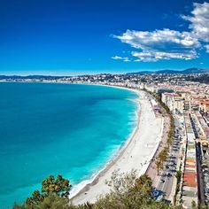 Who doesn't know Nice? A gorgeous beach city in Southern France. Pay a visit this summer! . . . . . #nice #beach #frenchriviera #cotedazur #beachcity #southfrance #france #visitfrance #beautiful #gorgeous #summer #summertime #travelgram #france_vacations #hello_france #hellojuly #francia #prancis #perancis #travel #photo #photooftheday #beautyoffrance #igers #fco #instagram #instagood #francecommunity #weekend #travel