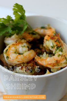 Garlic & Parsley Shrimp recipe's is ready in less than 15 minutes! This healthy recipe is full of flavor and can be served with pasta, rice or on top of your salad ! Enjoy !