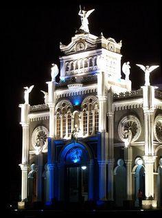 Basílica de los Ángeles, Cartago, Costa Rica. by Oscar Adolfo Durán Jara, via Flickr