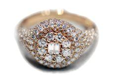 #Anello oro rosa 18Kt e diamanti. Centro diamanti taglio baguette. #Diamanti carati totali 1,61.