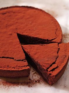 Recette de Ricardo de gâteau au chocolat et aux amandes (Torta caprese) Like Chocolate, Dessert Buffet, Dairy Free Recipes, Gluten Free, Sweet Bread, Chocolate Recipes, Chocolate Cakes, No Bake Cake, Sweet Tooth