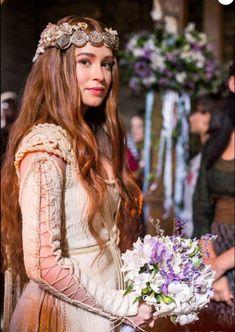 "However long it takes, Marina Ruy Barbosa as Amália in ""Deus Salve o Rei"". Moda Medieval, Wedding Movies, Medieval Wedding, Fantasy Photography, Fantasy Costumes, Medieval Fashion, Historical Clothing, Vintage Fashion, Stylists"
