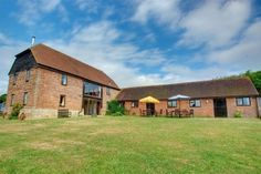 Cannon Corner in Aldeburgh. Cannons Corner is located in the heart of Aldeburgh close to the beach and high street. The property is beautifully pres… Holiday Park, East Sussex, Lodges, Cannon, Vines, House Styles, Cottages, Barns, Home Decor