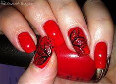 pretty design (although on shorter nails)