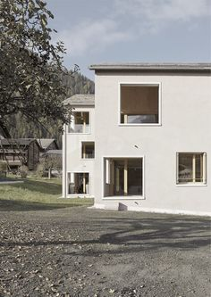 Fournier Maccagnan | a f a s i a Art And Architecture, Contemporary Art, Garage Doors, Building, Outdoor Decor, Home Decor, Switzerland, Houses, Projects