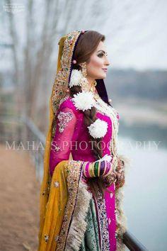 Maha 's design and photography, my favorite pic Bridal Mehndi Dresses, Pakistani Bridal Wear, Pakistani Dresses, Dulhan Dress, Asian Inspired Wedding, Wedding Looks, Perfect Wedding, Wedding Stuff, Mehndi Outfit