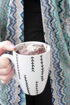 Geschenkidee zum Muttertag: Chai Mugcake in einer DIY Tasse - Rosy & Grey