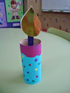 Plastificando ilusiones: Hacemos una vela de Navidad Planter Pots, Education, Crafts, Ideas, Christmas Candles, Cardboard Tubes, Decorated Notebooks, Illusions, School