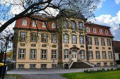Heute noch ein Foto aus Erxleben. Es zeigt das Barockschloss Erxleben I welches Ende des 18. Jahrhunderts gebaut wurde und heute von der Gemeindeverwaltung als Außenstelle genutzt wird.  #Erxleben #Börde #Sachsenanhalt #Deutschland #Germany #deutschland_greatshots #diewocheaufinstagram #bestgermanypics #loves_united_germany #meindeutschland #srs_germany #architecturelovers #instatravel #travelgram #igtravel #igersdeutschland #igersgermany #ig_germany #ig_deutschland #travelblogger…