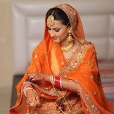 Bookmark These Gorgeous Punjabi Bridal Looks That You Must Incorporate In Your Wedding. For more such bridal inspirations, stay tuned with shaadiwish. Sikh Bride, Punjabi Bride, Punjabi Wedding, Desi Wedding, Wedding Looks, Farm Wedding, Boho Wedding, Wedding Reception, Sikh Wedding Dress