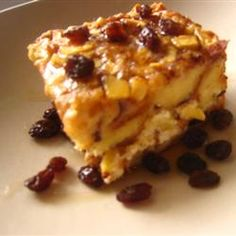 Apple Raisin French Toast Strata on http://onlygreatrecipes.com