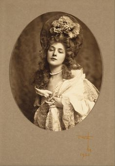 Evelyn Nesbit — 1900sRudolf Eickemeyer, Portrait of Evelyn Nesbit, 1905Full serie