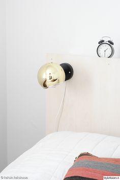 Sängynpääty vanerista