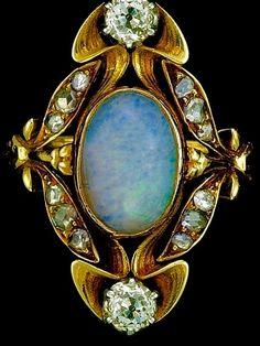 ART NOUVEAU Ring Gold Opal Diamond French, love vintage opal - the new ones don't seem to have that fire anymore. and those diamonds! Opal Jewelry, Jewelry Art, Antique Jewelry, Vintage Jewelry, Jewelry Accessories, Fine Jewelry, Jewelry Design, Jewlery, Jewellery Rings