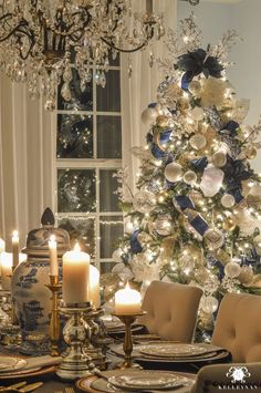 Give your Christmas home the elegant touch. Here are Elegant Christmas Home Decor ideas. These Christmas decors are simple, DIY Decors which you can do. Beautiful Christmas Trees, Merry Christmas To All, Noel Christmas, White Christmas, Christmas Island, Christmas Cactus, Christmas Music, Rustic Christmas, Xmas Tree