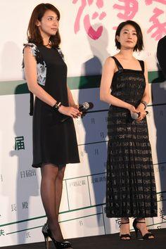 左から菅野美穂、相武紗季。