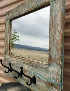 53 Trendy Old Barn Wood Crafts Decor Barn Wood Mirror, Old Barn Wood, Rustic Wood, Rustic Decor, Rustic Farmhouse, Pallet Mirror Frame, Barn Wood Decor, Western Decor, Western Cowboy