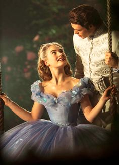 fuckyeahcostumedramas:Lily James & Richard Madden in 'Cinderella' (2015).  carinho-e-ternura:Click for more nature, fashion, love and cuteness!