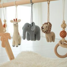 Safari baby play gym – Wooden baby gym with toys – Infant activity center – African animals. Bebe Gym, Baby Shower Gifts, Baby Gifts, Diy Bebe, Baby Mobile, Play Gym, Frame Stand, Wooden Rings, African Animals