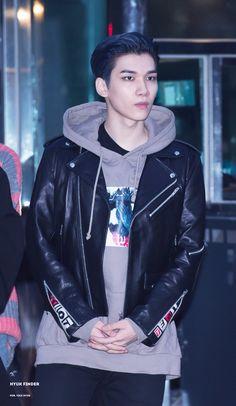 Hyuk, Vixx, 161104, Music Bank, Hyuk Finder - DO NOT EDIT