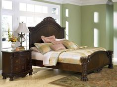 Old World King Bed in Dark Casual Finish