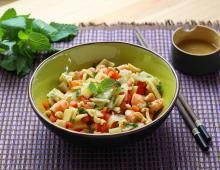 Eating light doesn't have to be boring with this exotic salad, made with fresh shrimp, crunchy bamboo shoots and a simple dressing. Shrimp Salad, Pasta Salad, Bamboo Shoots, Eating Light, Cooking Recipes, Healthy Recipes, Healthy Food, Potato Salad, Entrees