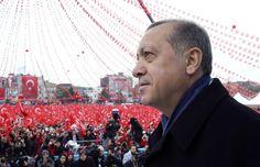 Nach der Entscheidung des Europäischen Gerichtshofs, wonach Kopftücher am Arbeitsplatz verboten werden können,hat die Türkei die EU erneut scharf angegriffen. Präsident Recep Tayyip Erdogan warf Europa vor, 'einen Kampf Kreuz gegen Halbmond' angefangen zu haben.