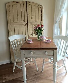pixiespotatoes | Tables and Chairs