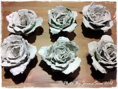 Elämää, ei sen enempää...: Sytykeruusujen askartelua Stone Cactus, Pine Cones, Rose, Flowers, Plants, Diy, Paper Engineering, Egg Cartons, Pink