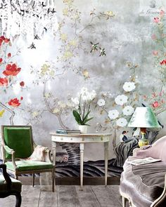 de Gournay Japanese Garden wallpaper in Original design colours on Sterling Silver gilded paper with Désargenter Pearlescent and Sanded antique finish.