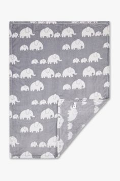 Discover the latest fashion! Baby blanket now at the C&A online shop – Fast delivery✓ Top quality✓ Great prices✓ Baby Club, Velour Fabric, Newborn Outfits, New Day, Baby Gifts, Latest Fashion, Improve Yourself, Elephant, Kids Rugs