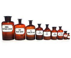 apothekers medicijnflessen glas antiek at Neef Louis