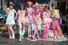 Amazing pictures from the first date on Japanese fashion brand Harajuku Kawaii Experience world tour. Fashion Walk, Funky Fashion, Black Girl Fashion, Tokyo Fashion, Harajuku Fashion, Kawaii Fashion, Harajuku Style, Fashion 2014, High Fashion