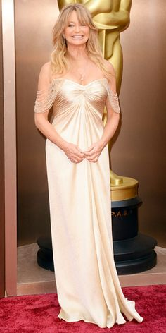 Looks we #levolove // Oscars 2014 Red Carpet Arrivals - Goldie Hawn from #InStyle