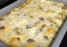 Biscuits and Gravy Breakfast Casserole Recipe by Ashley Maiers - Brunch Rezepte Biscuits And Gravy Casserole, Breakfast Casserole With Biscuits, Sausage Biscuits, Overnight Breakfast Casserole, Easy Biscuits, Biscuit And Gravy Bake, Brunch Casserole, Homemade Biscuits, Homemade Breads