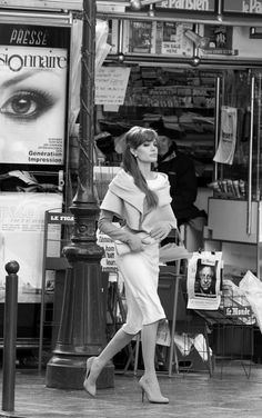 Angelina Jolie in Paris - The Tourist