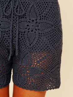 Inspirations Croche with Any Lucy: Shorts Crochet Pants, Crochet Skirts, Thread Crochet, Crochet Clothes, Moda Crochet, Crochet Lace, Crochet Fashion, Diy Fashion, Crochet Free Patterns